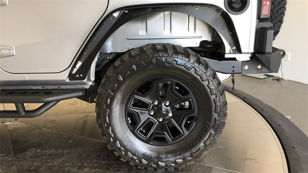 Pre-Owned 2017 Jeep Wrangler Unlimited Willys Wheeler