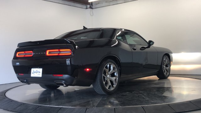 Pre-Owned 2016 Dodge Challenger SXT Plus